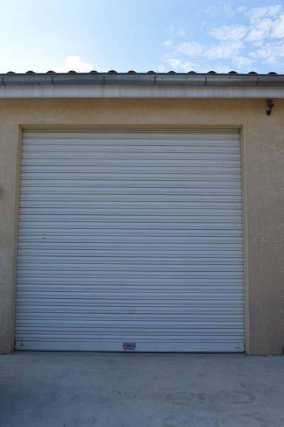Nos portes de garage et rideaux m talliques ard che pvc for Garage 4x4 ardeche