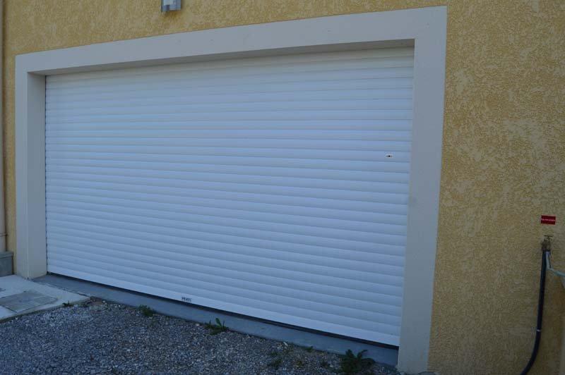 Nos Portes De Garage Et Rideaux Métalliques Ardèche PVC - Barre de sécurité porte de garage